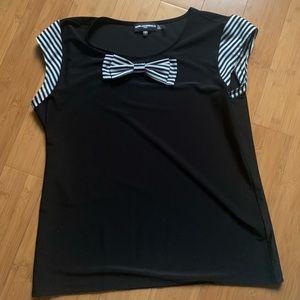 NWOT Karl Lagerfeld black sleeveless blouse
